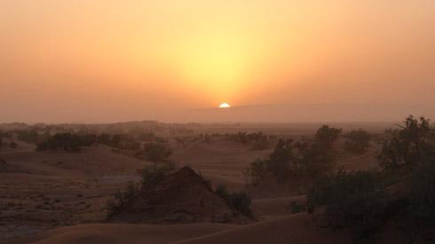 Unvergesslicher Sonnenuntergang in der Wüste