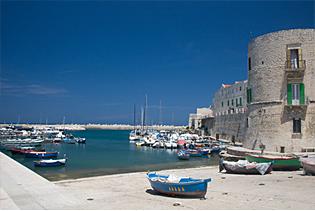 Apulien – im Land der Trulli und Staufer