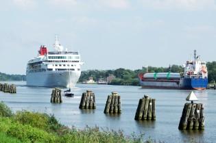 Am Nord-Ostsee-Kanal und Himbeerhof