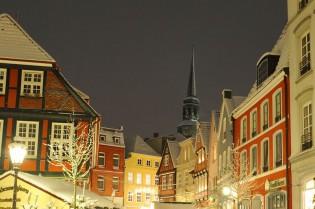 Weihnachtsmarkt Stade mit Adventssingen<br /> in der St. Cosmae Kirche