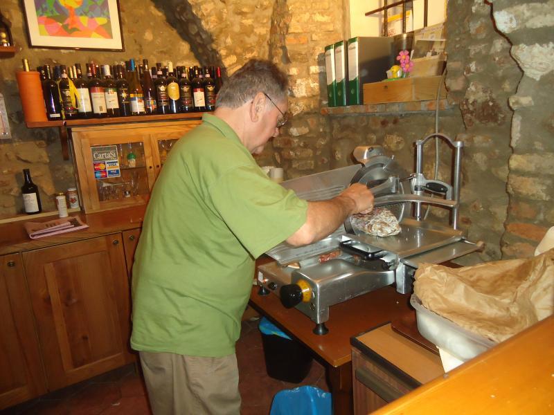 von Volterra nach Pisa in kleiner Gruppe  Fattoria Lischeto