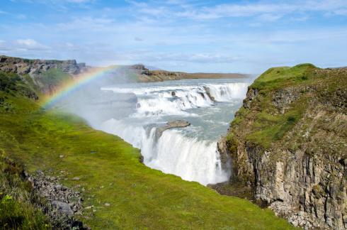 Gullfoss Wasserfall mit Regenbogen - Island