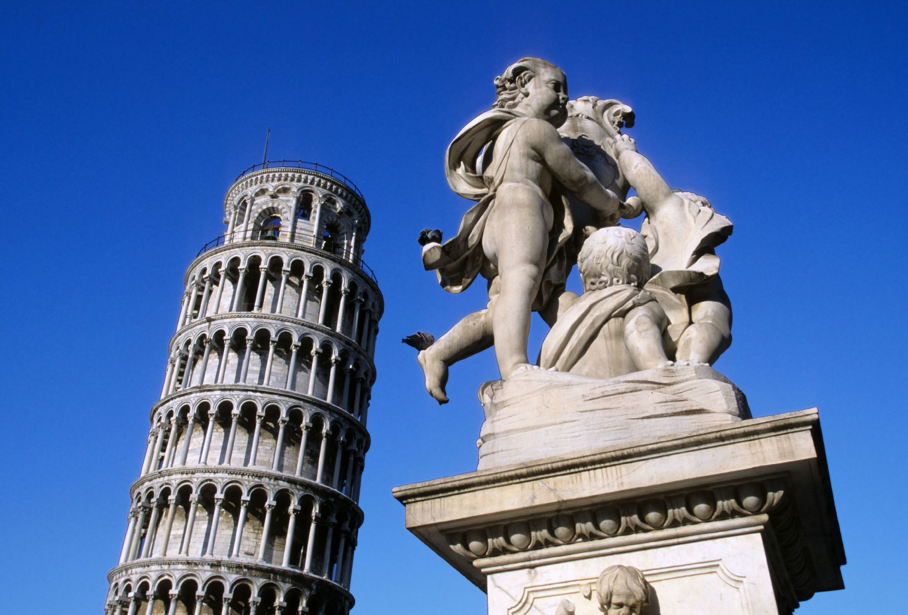 Pisa, Piazza dei Miracoli, Schiefer Turm, Schneeweißer Dom