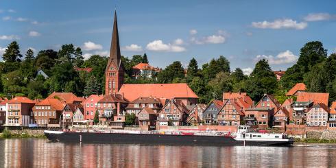 Alte Schifferstadt Lauenburg an der Elbe im Sommer
