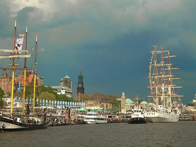 Hamburger Hafengeburtstag ab Sasel
