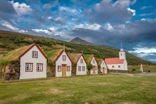 Island – Naturwunder zur Zeit der Mitternachtssonne