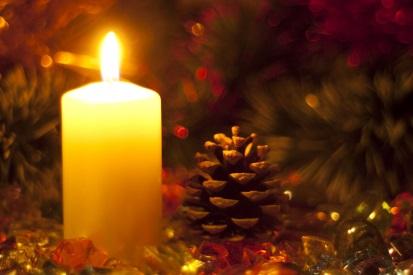 Weihnachten Fotolia Kerze von Flyer 2019